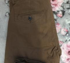 Bershka pantalone NOVE 1000 din
