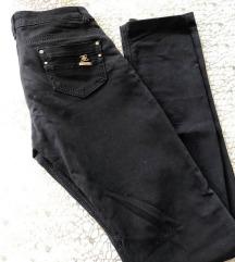 pantalone sa elastinom