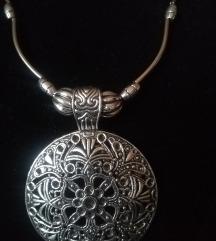 NOVO ogrlica sa tibetanskim priveskom