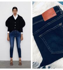 Zara mid waist ripped skinny jeans NOVO