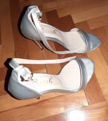 Srebrne sandale 37