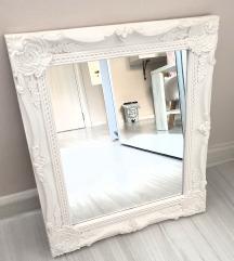 Ukrasno zidno ogledalo