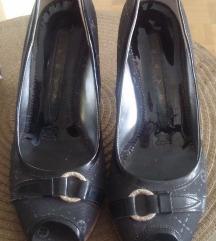 Keys sandalete