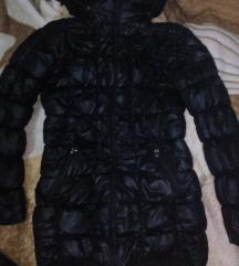 Crna jakna bez ostecenja S,M velicina