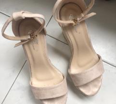 Nove sandale , prelepe ii preudobne .❤️