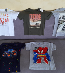 Nove majice sa etiketom 116 i 122
