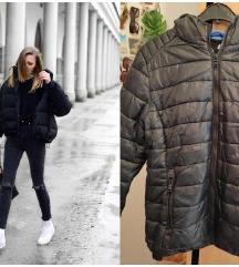 Crna stepana jakna