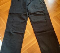 Nike pantalone za muskarce vel 34
