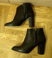 Nove kozne kratke cizme - snizeno!