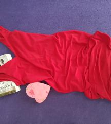Crvena nova haljina