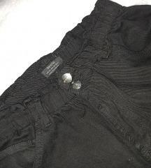 BERSHKA crne paperbag pantalone, elastični struk