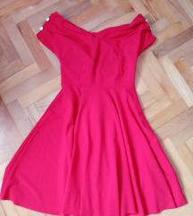 Crvena nova haljina bez etikete