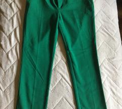 Stradivarius zelene pantalone