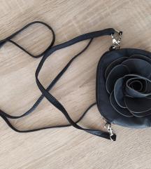 Mala crna cvet torba