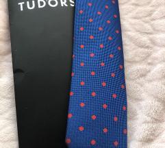 Nova Tudors kravata sa etiketom