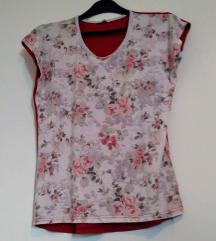 Romantična cvetna majica