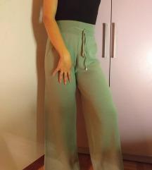 NOVE! Zelene pantalone sa džepovima!