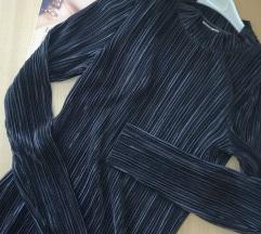AKCIJA H&M plisirana svilena ugalj crna majica S