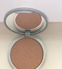 Betty loumanizer bronzer