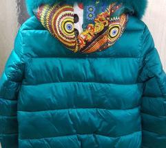 Perjana zimska jakna(pravo krz) neobicna