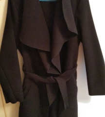 Prolećni crni mantil