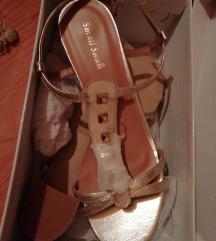 Nove zlatne sandale 40