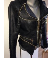 Ženska kožna jakna