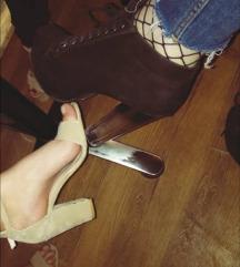 Crne cipele sa staklenom stiklom😍