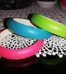 Tri NEON plasticne narukvice