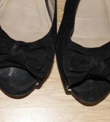 Crne sandale na otvorene prste
