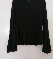 Lagana crna peplum bluza sa sirokim rukavima  NOVO