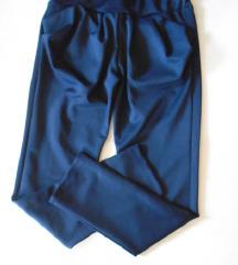 Predivne pantalone/trenerka