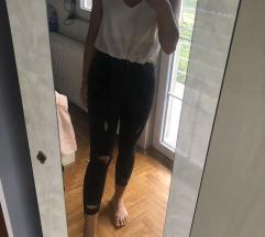 Dvoje pantalone i italy bluza