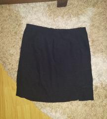 Uska crna suknja dublja
