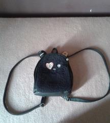 Crni plisani ranac u obliku mace za devojcice