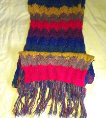 Šareni vuneni šal