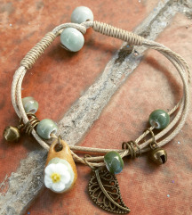 Boho narukvica od keramicki perlica