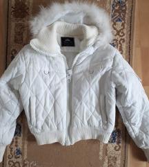 Bela punjena jakna sa kapuljacom L br.