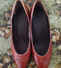 Cipele boje cimeta