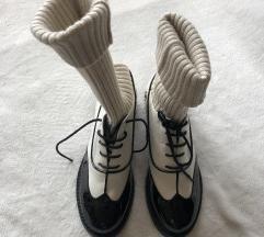 NOVE CHANEL zanimljive cipele / cizmice 39