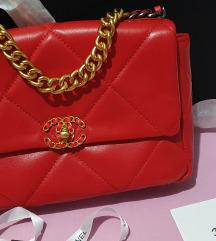 Chanel flap 19 crvena tasna
