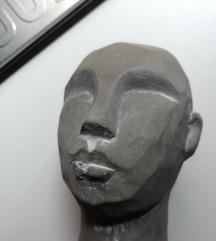 JYSK skulptura čoveka Nova