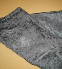 Pantalone prelepe.