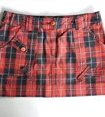 Karirana mini suknja