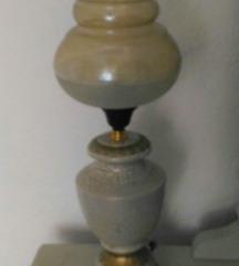 Prekrasna stona lampa visine 48 cm