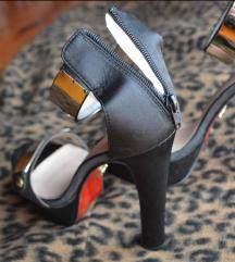 Crne sandale (nove)