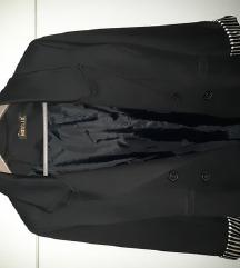 Crni sako kao nov