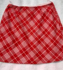 Zimska crveno bela suknja