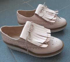 Bershka cipele 39 **snizeno**