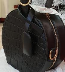 Okrugla crna torbica NOVO